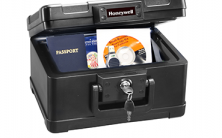 Honeywell 1101 Water Resistant Security Chest 4 Litres